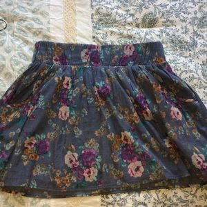 Delia's cute floral skirt with POCKETS!!
